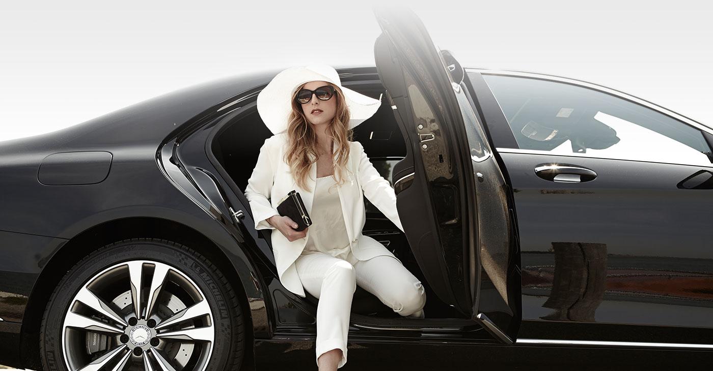 ncc con limousine e macchine di lusso
